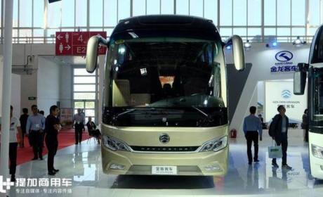 装奔驰发动机的国产大巴,还有8挡AMT变速箱,金旅领航者客车实拍