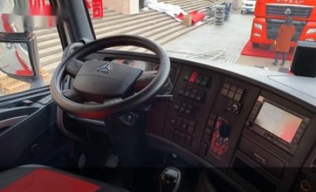 重汽最新亮相的国六寒区版T7牵引车,冰天雪地放一夜,也能轻松启动