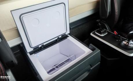炎炎夏日给卡车司机更多清凉,这几款国产重卡都能选配车载冰箱