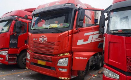 国产重卡故障不可怕,关键看服务?青岛解放JH6高端重卡车主访谈