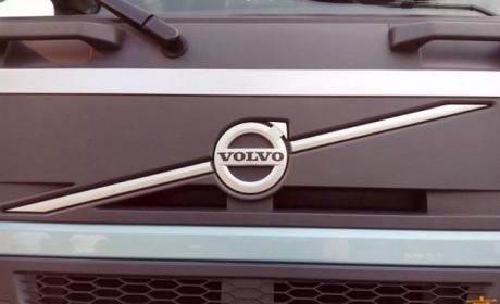 进口卡车界的网红  沃尔沃FM500马力牵引车实拍