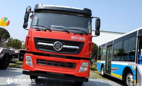 350马力潍柴发动机,这款9米6货箱的前四后八载货车只卖26万多?