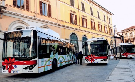 南欧再获订单,6辆比亚迪纯电动大巴开进意大利名城帕多瓦