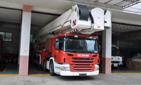 救援高度国内第一?价值2400万的救援卡车实拍