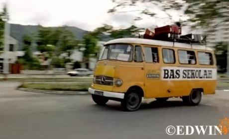 奔驰也有经典面包车?古董级的奔驰O319迷你巴士实拍