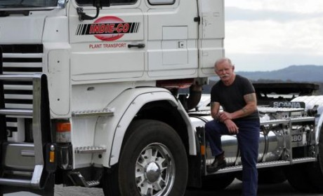 530万公里退役 这个老爷子把斯堪尼亚卡车开进了国家纪念馆