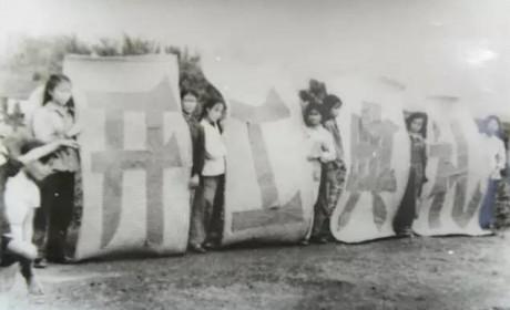 曾经红极一时?一组老照片了解红岩重卡历史