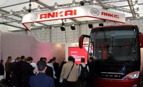 纯电动双层敞篷客车首问世,并将投入巴黎运营,竟是国产客车?