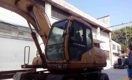 省心与便捷非国产工程机械能比?17年车龄的韩国现代挖掘机实拍