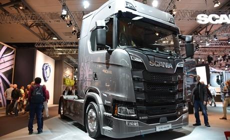 8缸发动机650马力,配置真旗舰,斯堪尼亚V8动力的S650实拍