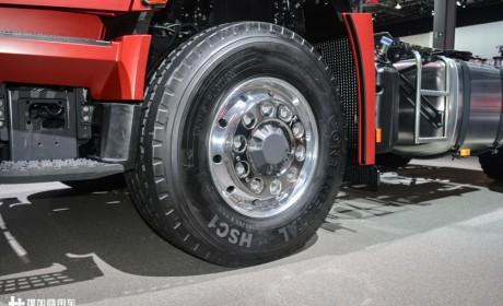 "4X2和4X4随意切换,货运越野两不误,带您见识奔驰和雷诺卡车的""黑科技"""