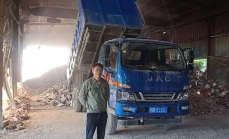 喜迎300万辆下线,江淮轻卡送出第五辆瑞风S7超级大奖