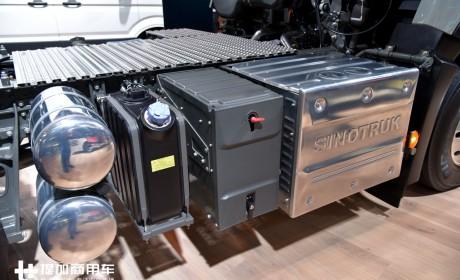 欧六排放,做工比国内精细了很多,重汽亮相欧洲的豪沃T7实拍