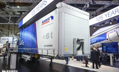 侧帘车自重不到6吨,标配空气悬架和单胎,欧洲与国内挂车区别太大