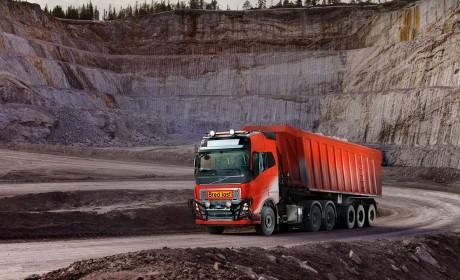 全程5公里,从矿场到港口,沃尔沃自动驾驶卡车正式投入商业化运营