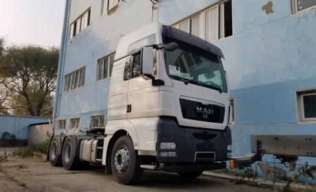 德国曼恩TGX最高配卡车,被国内车企买回来闲置8年,原因大家都懂