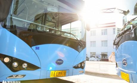 减少二氧化碳排放2.1万吨,无惧寒冬考验,北京运营的比亚迪纯电动公交实地探访