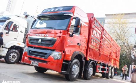 市场上比较少见的重汽T7H载货车,动力强空间大,座椅还有电加热配置