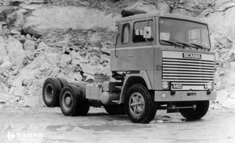 农贸市场再遇斯堪尼亚神级卡车,运营320多万公里退役后还在发挥余热