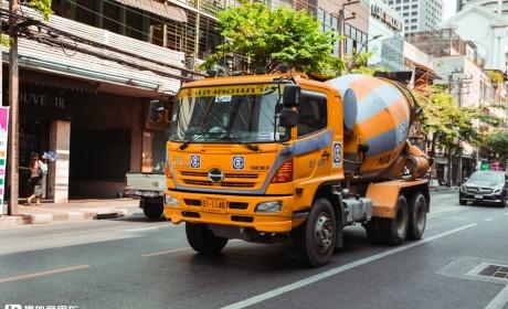 发现泰国汽车文化下集:高速过路费比国内还贵,曼谷公交居然是江西制造