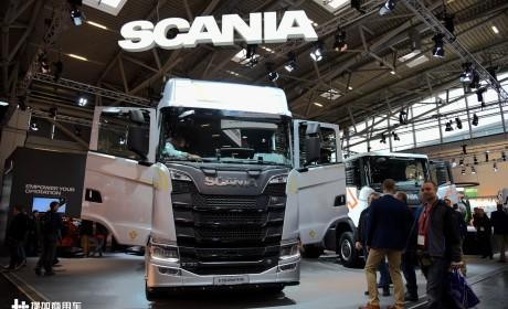 斯堪尼亚V8发动机纪念版领衔,宝马展第一天,先带大家看几款大件运输牵引车