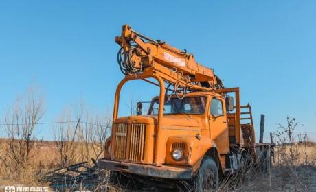 44年前进入小兴安岭林场工作,目前仅有一辆的斯堪尼亚110卡车实拍