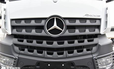 6轴车型最抢眼,2019宝马展中联展出的奔驰Arocs底盘混凝土泵车实拍