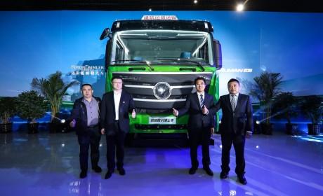 上市即斩获1280台订单,欧曼2019款国六法规渣土车北京区域上市