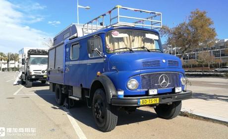 偶遇如今已鲜为人知的奔驰Kurzhauber卡车,40多年车龄,车主开着它到处旅行