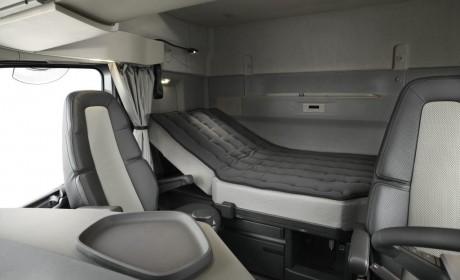 媲美长头卡车的舒适,加长25厘米,沃尔沃XXL驾驶室更多细节曝光