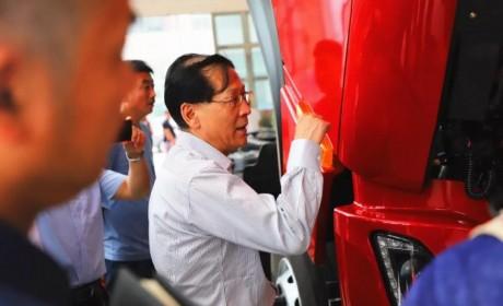 东风品牌新一代重卡平台首款载货车,TA来啦!