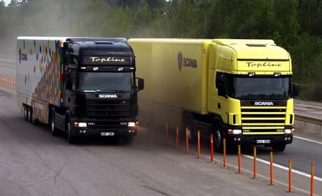 服役21年只跑了8万多公里?带您见识一台十分稀有的斯堪尼亚4系大件牵引车