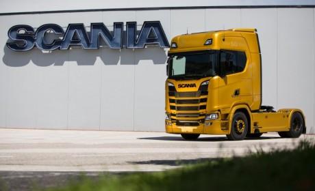 独特哑光金配色,斯堪尼亚发布V8发动机50周年纪念限量版车型