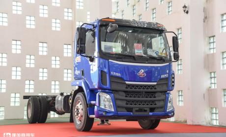 柳汽乘龙M3中卡载货车为啥能热销?实拍新升级的国六车型告诉您