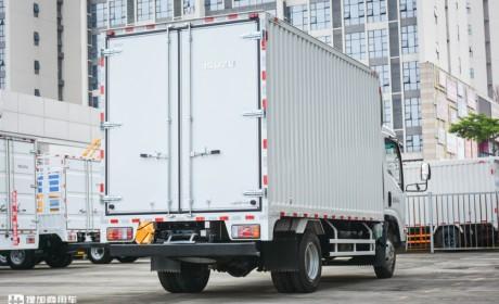 自重不超标上蓝牌无忧,铝合金货箱再减重430公斤,庆铃KV100轻卡实拍评测