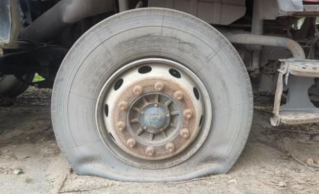 夏天开卡车,怎么保养和维护轮胎?做到这五点,远离爆胎风险