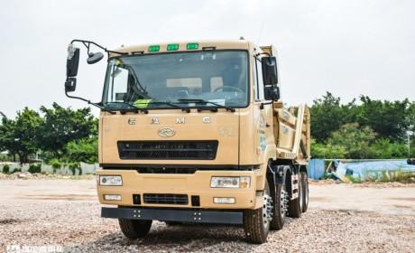 运营40辆华菱自卸车, 事故率行业最低,这位砂石料运输公司老板怎么做到的?