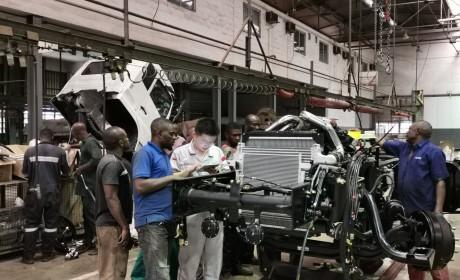 东风商用车在尼日利亚首批CKD组装中重卡下线
