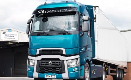 国产卡车也在进步,现在跑运输,国产卡车和进口卡车谁更划算?