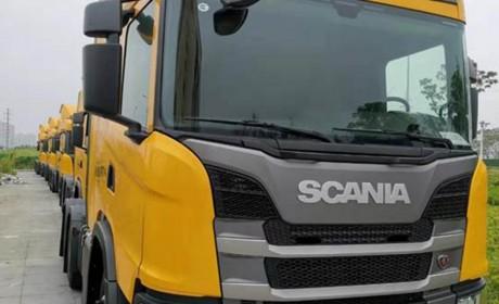 """一批""""大黄蜂""""进口卡车即将投入运营,某快递公司购买的斯堪尼亚G450实拍"""