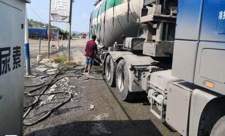 坐卡车跟着叔叔跑了一趟云南,才知道卡车司机生活原来如此不易