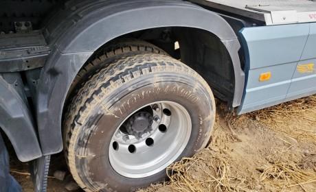 跟着卡车跑了一趟新疆线,才知道卡车要是坏在路上,有可能要人命