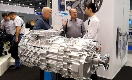 法士特携多款高端产品亮相俄罗斯国际商用车展