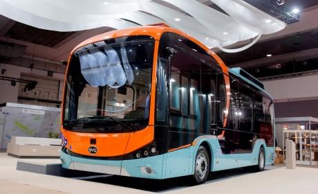 """比亚迪""""抢眼""""世界客车博览会!未来巴士惊艳亮相,欧洲市场再传捷报"""