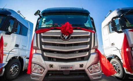 康明斯13升发动机560马力,欧曼EST国典版沈阳上市!