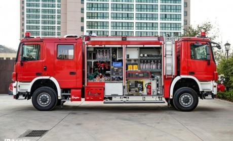 能走回头路,少见的双向驾驶卡车,齐格勒双头隧道消防车实拍