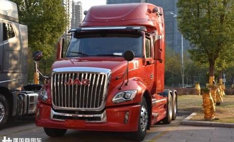 再带您围观血统最纯正的国产美式长头卡车,如今高端配置又升级了