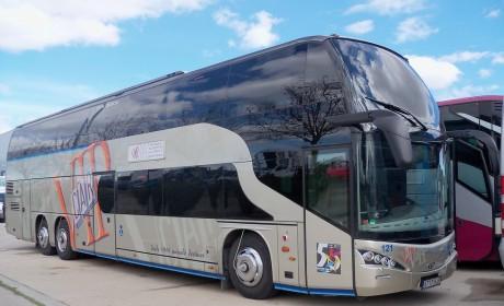 欧洲大巴的小众品牌,实拍Jewel双层大巴带您见识西班牙贝拉斯客车的实力