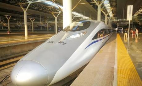 高铁时代,百辆金龙纯电动客车助力赣南老区出行新跨越