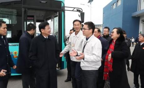 老挝总理通伦到访比亚迪 欲引入云轨